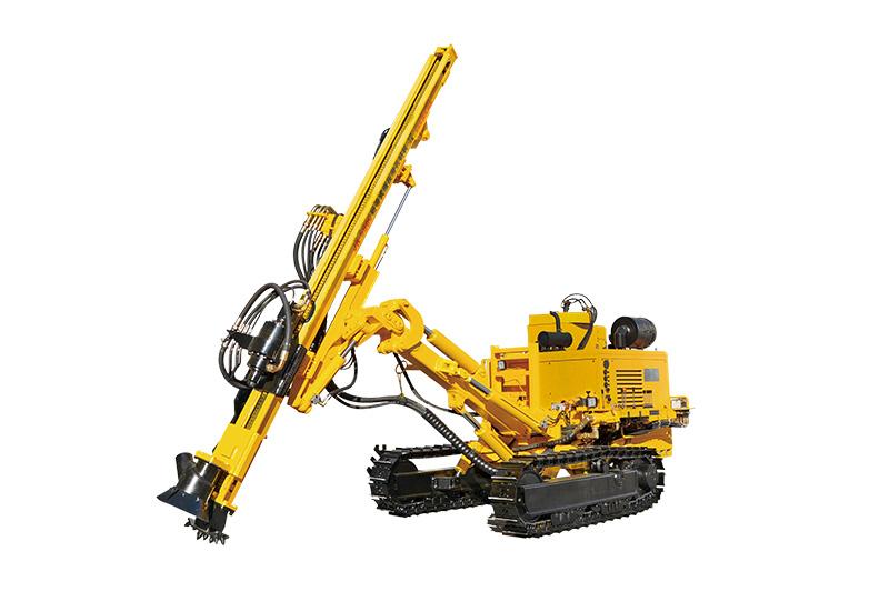 JK590C is working on quarry